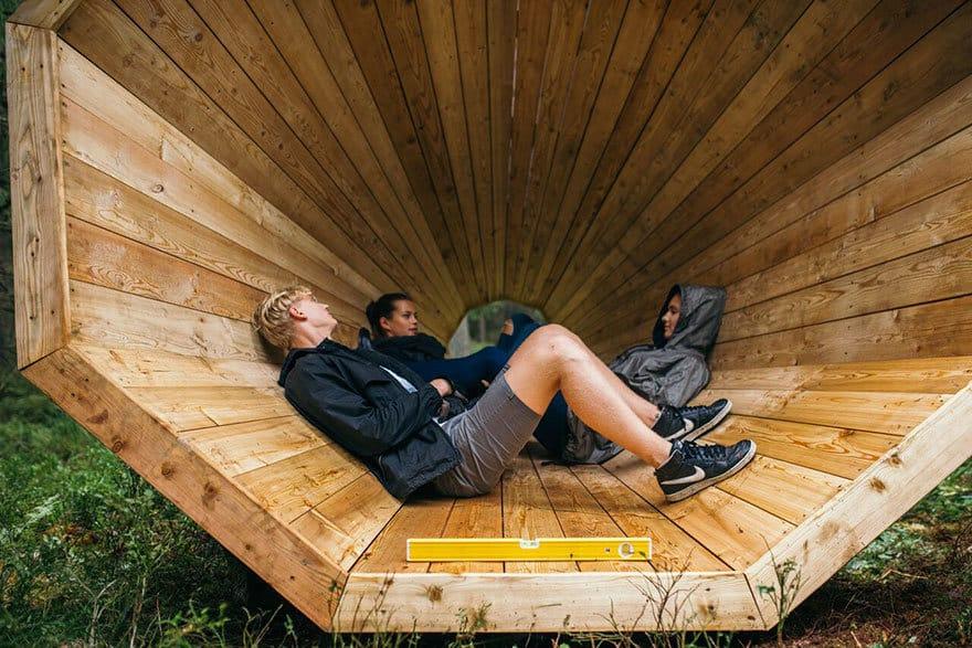 Erdei pihenőhely hangzásélménnyel - Erdő a művészetben