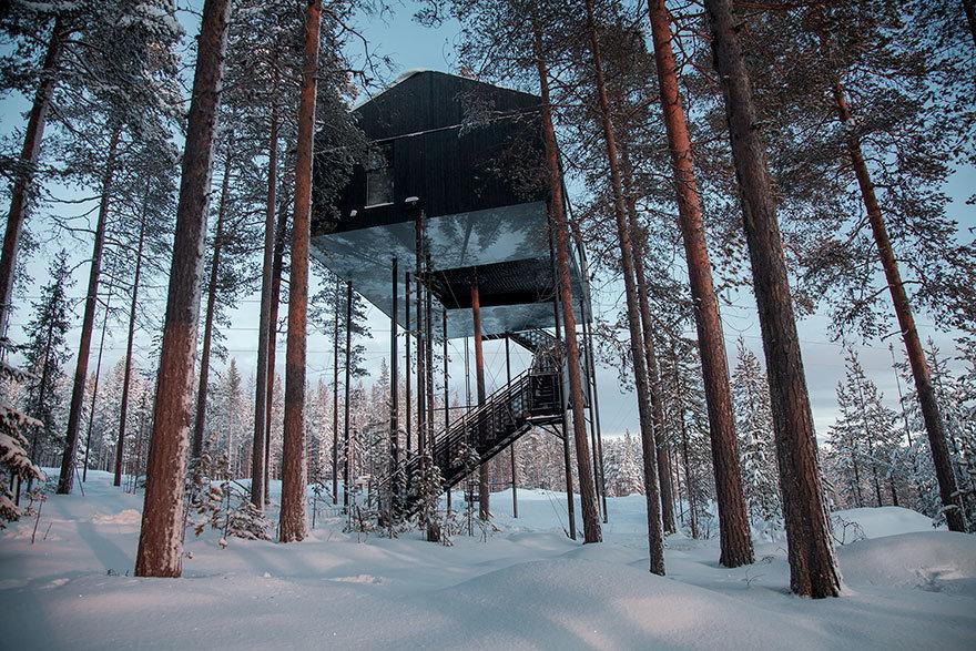 Luxus lombház hotel a havas tájon