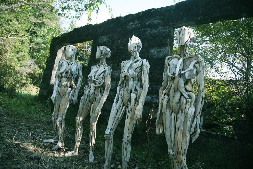 Ha meglátod ezeket a szobrokat, garantáltan kiráz tőlük a hideg